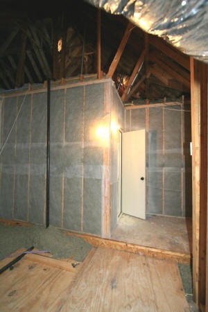 Blown Cellulose Insulation in Vertical Wall